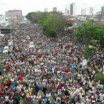 Fiéis celebram o amor ao próximo na Caminhada do Perdão em Feira de Santana