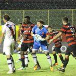 De goleada Vasco derrota Vitória em Salvador